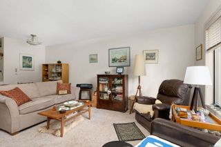 Photo 4: 102 10110 Fifth St in : Si Sidney North-East Condo for sale (Sidney)  : MLS®# 866291