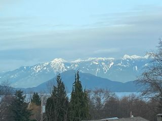 Photo 2: 396 S FLETCHER Road in Gibsons: Gibsons & Area House for sale (Sunshine Coast)  : MLS®# R2622956
