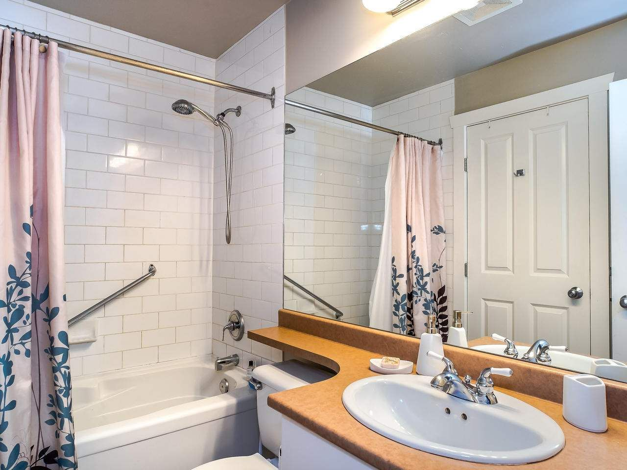 """Photo 17: Photos: 107 18 SMOKEY SMITH Place in New Westminster: GlenBrooke North Condo for sale in """"Crofton"""" : MLS®# R2493890"""