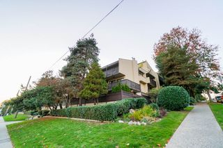 """Photo 1: 203 110 SEVENTH Street in New Westminster: Uptown NW Condo for sale in """"VILLA MONTEREY"""" : MLS®# R2317047"""