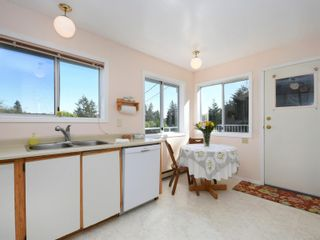Photo 6: 2072 Ludlow Rd in : Sk Saseenos House for sale (Sooke)  : MLS®# 875093
