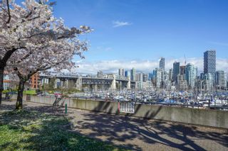 """Photo 35: 301 1470 PENNYFARTHING Drive in Vancouver: False Creek Condo for sale in """"Harbour Cove"""" (Vancouver West)  : MLS®# R2563951"""