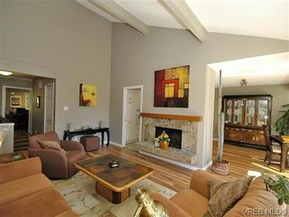 Photo 10: 2 2654 Lancelot Pl in SAANICHTON: CS Turgoose Row/Townhouse for sale (Central Saanich)  : MLS®# 615581