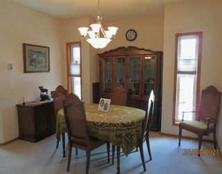 Photo 8: 24 Shannon Estates Terrace SW in Calgary: Shawnessy Row/Townhouse for sale : MLS®# A1102178