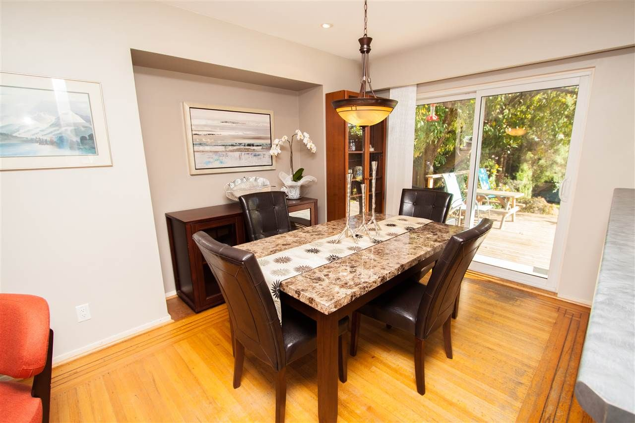 "Photo 8: Photos: 953 DRAYTON Street in North Vancouver: Calverhall House for sale in ""CALVERHALL"" : MLS®# R2112322"