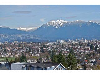 Photo 3: 4742 ELM Street in Vancouver: MacKenzie Heights House for sale (Vancouver West)  : MLS®# V878692