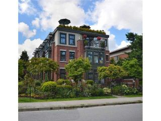 "Photo 1: 2010 W 1ST Avenue in Vancouver: Kitsilano Townhouse for sale in ""THE TOWNHOMES ON MAPLE"" (Vancouver West)  : MLS®# V892191"
