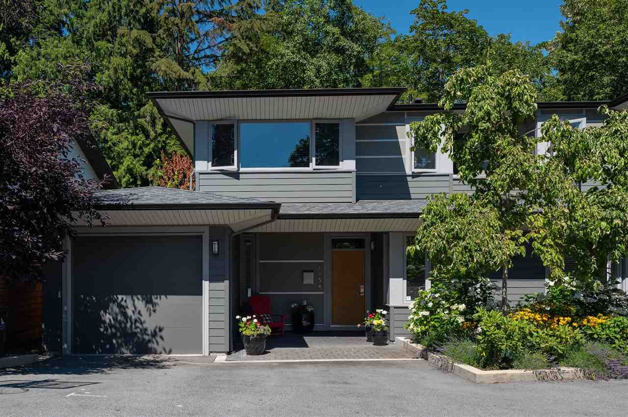 """Main Photo: 1154 WENDEL Place in North Vancouver: Lynn Valley Townhouse for sale in """"Wendel Court"""" : MLS®# R2487790"""