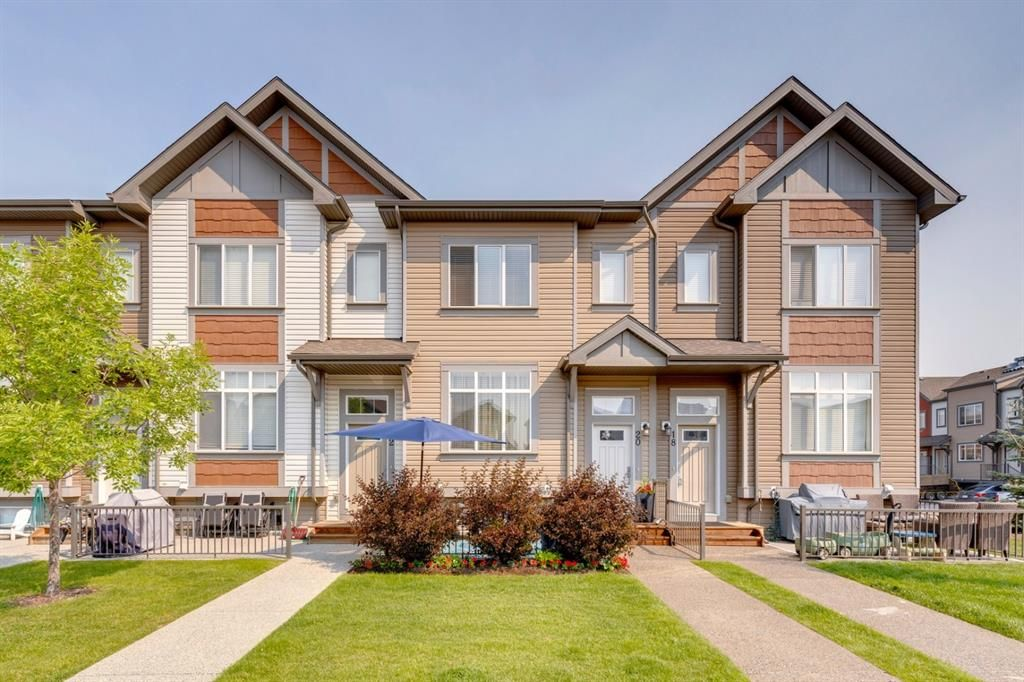 Main Photo: 20 Copperpond Rise SE in Calgary: Copperfield Row/Townhouse for sale : MLS®# A1130100