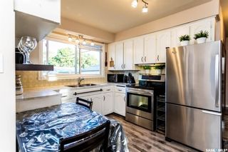 Photo 10: 30 Robinson Crescent in Regina: Coronation Park Residential for sale : MLS®# SK842212