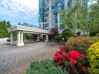 Photo 2: 507 2988 ALDER Street in Vancouver: Fairview VW Condo for sale (Vancouver West)  : MLS®# R2266140