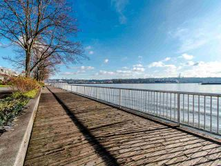Photo 19: 103 12 K DE K Court in New Westminster: Quay Condo for sale : MLS®# R2419227