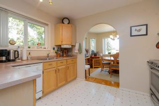 Photo 13: 1380 W Treebank Rd in : Es Kinsmen Park House for sale (Esquimalt)  : MLS®# 878071