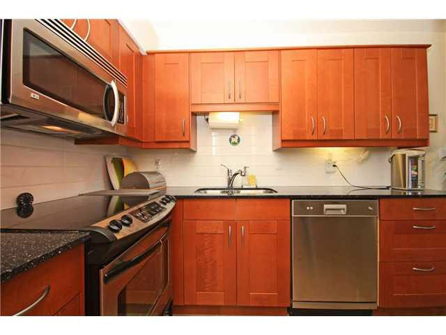 """Photo 1: Photos: 204 2425 SHAUGHNESSY Street in Port Coquitlam: Central Pt Coquitlam Condo for sale in """"SHAUGHNESSY PLACE"""" : MLS®# V1133706"""