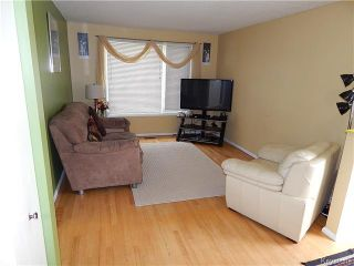 Photo 2: 302 Dowling Avenue East in Winnipeg: East Transcona Residential for sale (3M)  : MLS®# 1622989