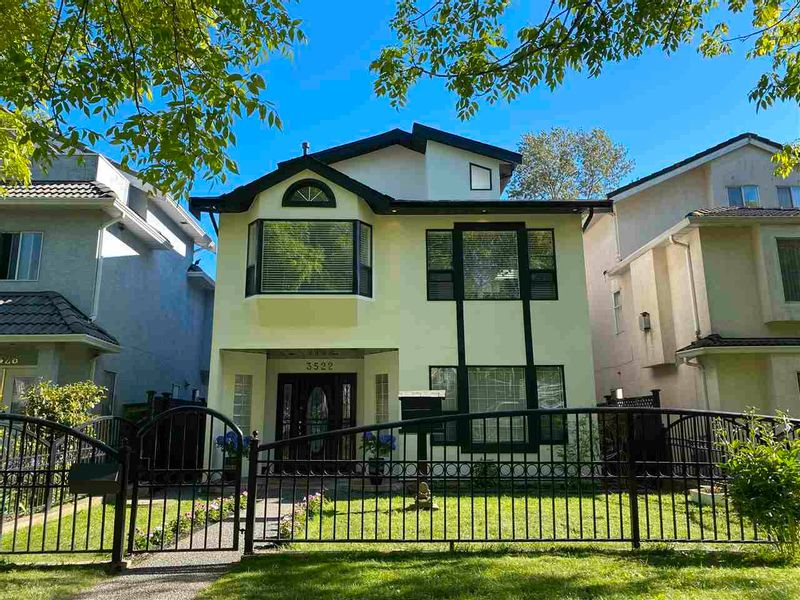 FEATURED LISTING: 3522 WILLIAM Street Vancouver