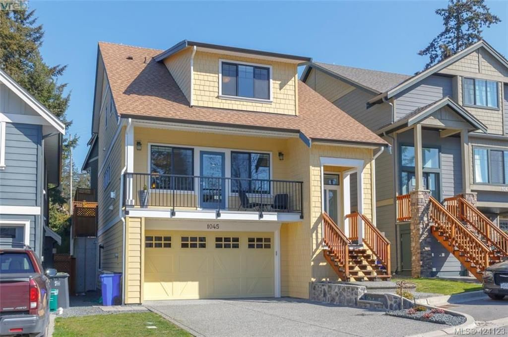 Main Photo: 1045 Gala Crt in VICTORIA: La Happy Valley House for sale (Langford)  : MLS®# 837598