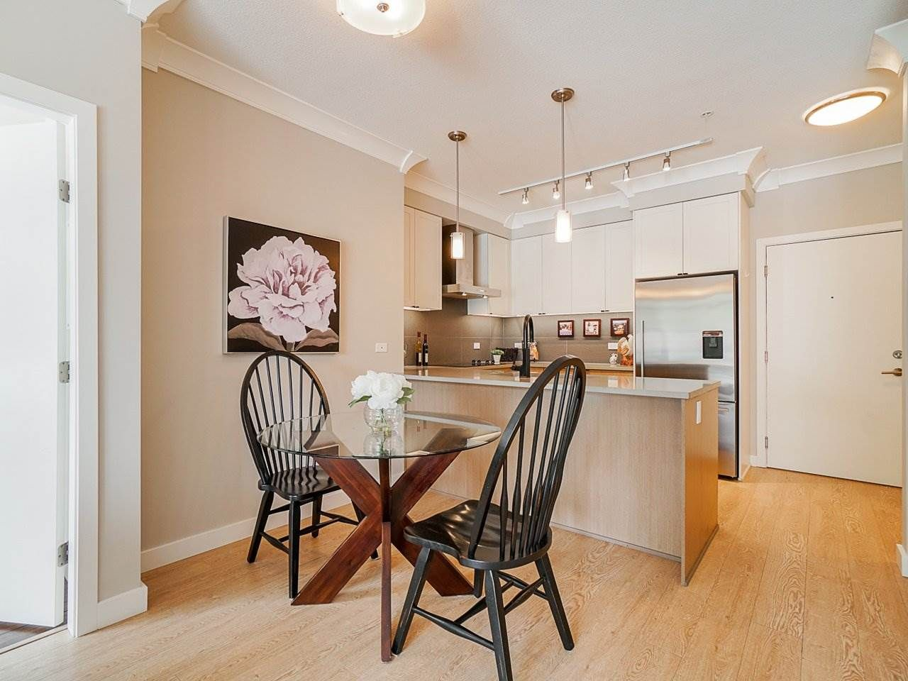 "Photo 8: Photos: 302 3205 MOUNTAIN Highway in North Vancouver: Lynn Valley Condo for sale in ""Mill House"" : MLS®# R2464769"