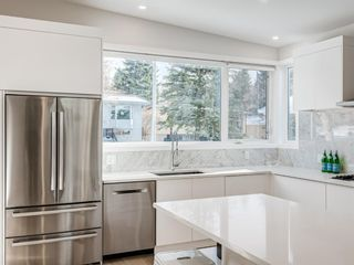 Photo 6: 5327 Carney Road NW in Calgary: Charleswood Detached for sale : MLS®# A1049468