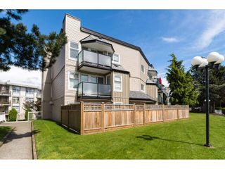"""Photo 2: 323 1850 E SOUTHMERE Crescent in Surrey: Sunnyside Park Surrey Condo for sale in """"Southmere Place"""" (South Surrey White Rock)  : MLS®# R2192713"""