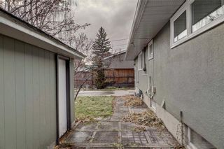 Photo 33: 611 WOODSWORTH Road SE in Calgary: Willow Park Detached for sale : MLS®# C4216444