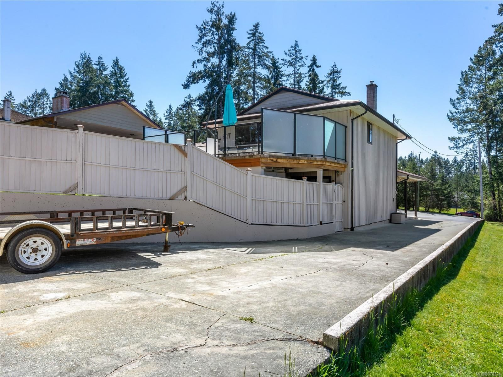 Photo 9: Photos: 3875 Moore Rd in : PA Port Alberni House for sale (Port Alberni)  : MLS®# 878324