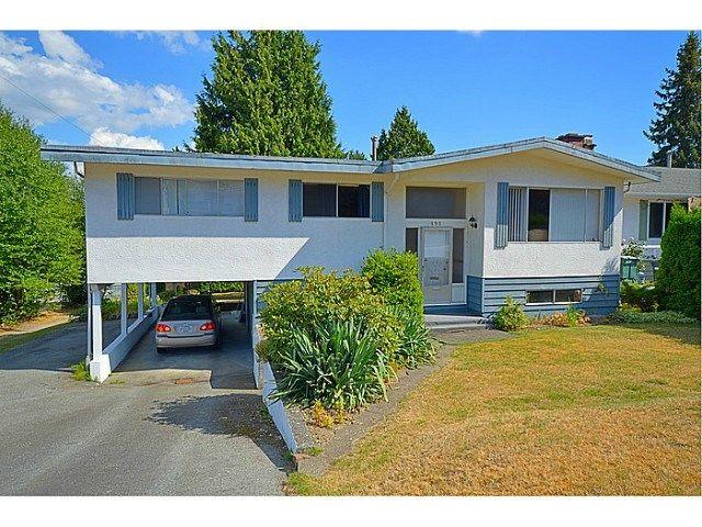 """Main Photo: 898 GLENCOE Drive in Port Moody: Glenayre House for sale in """"GLENAYRE"""" : MLS®# V1136550"""