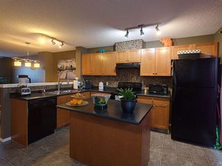 Photo 6: 117 Elgin Gardens SE in Calgary: McKenzie Towne Row/Townhouse for sale : MLS®# A1060562