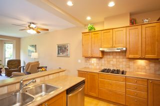 """Photo 8: 33 16655 64 Avenue in Surrey: Cloverdale BC Townhouse for sale in """"Ridgewoods Estates"""" (Cloverdale)  : MLS®# F1013342"""