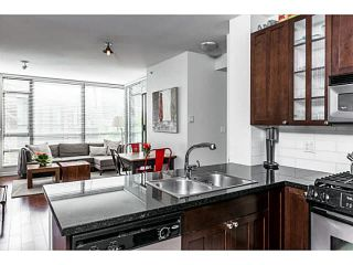 """Photo 4: 303 170 W 1ST Street in North Vancouver: Lower Lonsdale Condo for sale in """"ONE PARKLANE"""" : MLS®# V1117348"""