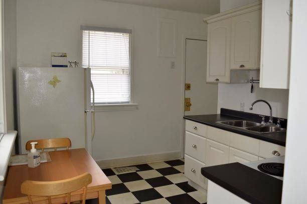 Photo 3: Photos: 11242 94 Street in Edmonton: Zone 05 House for sale : MLS®# E4246790