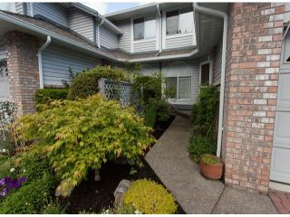 """Photo 2: 111 12044 S BOUNDARY Drive in Surrey: Panorama Ridge Townhouse for sale in """"Parkwynd"""" : MLS®# F1412890"""