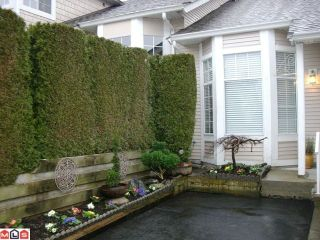 """Photo 2: 131 9012 WALNUT GROVE Drive in Langley: Walnut Grove Townhouse for sale in """"Queen Anne Green"""" : MLS®# F1103996"""