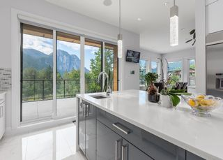 """Photo 7: 2237 WINDSAIL Place in Squamish: Plateau House for sale in """"Crumpit Woods"""" : MLS®# R2621159"""