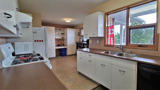 """Photo 10: 4642 NEWGLEN Place in Prince George: North Meadows House for sale in """"NORTH MEADOWS"""" (PG City North (Zone 73))  : MLS®# R2473821"""