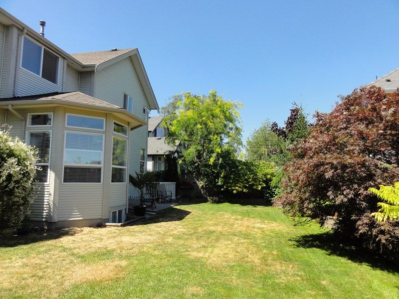 "Photo 30: Photos: 5786 147A Street in Surrey: Sullivan Station House for sale in ""PANORAMA HILL"" : MLS®# F1446306"