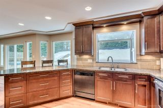 Photo 8: 702 ALTA LAKE PLACE in Coquitlam: Coquitlam East House for sale : MLS®# R2131200