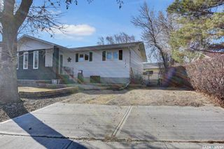 Photo 2: 103 Fuhrmann Crescent in Regina: Walsh Acres Residential for sale : MLS®# SK849311