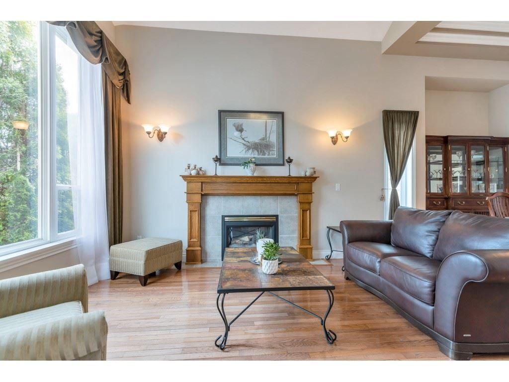 "Photo 3: Photos: 11617 CREEKSIDE Street in Maple Ridge: Cottonwood MR House for sale in ""Cottonwood"" : MLS®# R2554913"