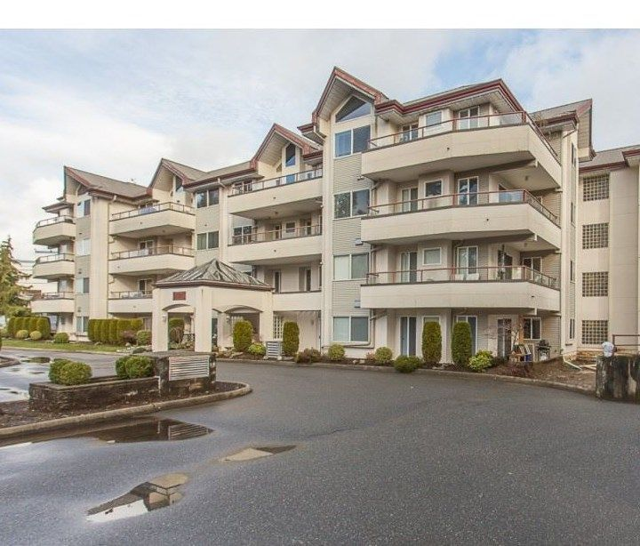 "Main Photo: 203 2526 LAKEVIEW Crescent in Abbotsford: Central Abbotsford Condo for sale in ""Mill Spring Manor"" : MLS®# R2235722"