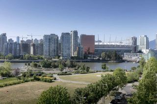 """Photo 9: 506 181 W 1ST Avenue in Vancouver: False Creek Condo for sale in """"Brook - The Village on False Creek"""" (Vancouver West)  : MLS®# R2528507"""