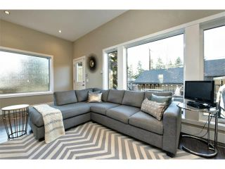 Photo 12: 931 33 Street NW in Calgary: Parkdale House for sale : MLS®# C4003919