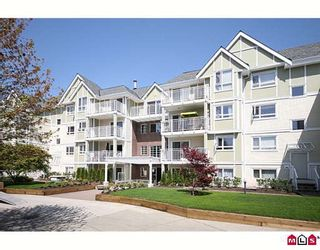 """Photo 1: 404 20189 54TH Avenue in Langley: Langley City Condo for sale in """"CATALINA GARDENS"""" : MLS®# F2909266"""