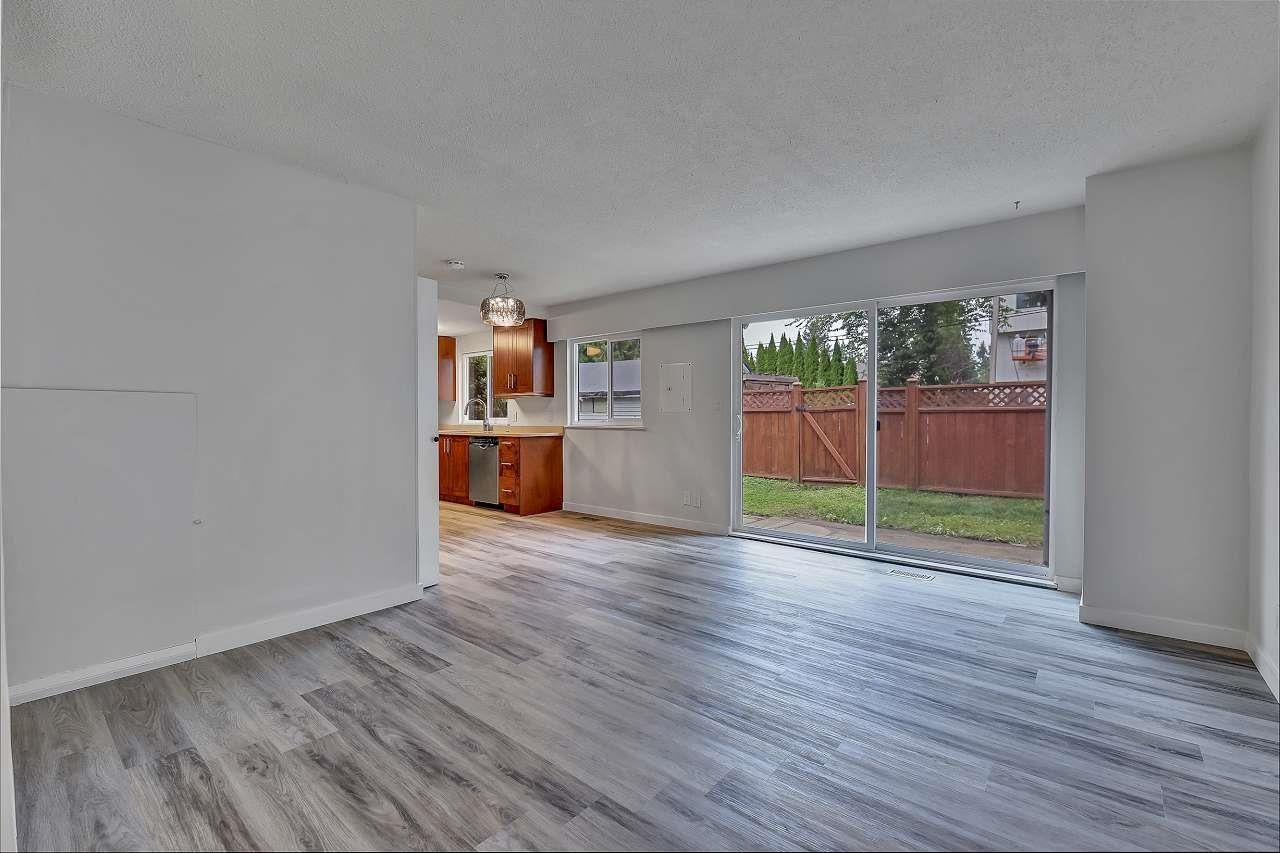 """Photo 7: Photos: 37 21555 DEWDNEY TRUNK Road in Maple Ridge: West Central Townhouse for sale in """"Richmond Court"""" : MLS®# R2611376"""