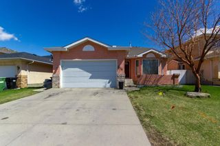 Photo 1: 18 Coral Sands Place NE in Calgary: Coral Springs Detached for sale : MLS®# A1109060