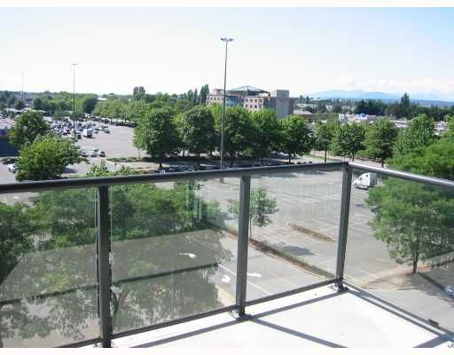 "Photo 4: Photos: 901 5088 KWANTLEN Street in Richmond: Brighouse Condo for sale in ""SEASONS TOWER"" : MLS®# V659426"