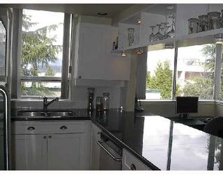 "Photo 3: 326 1979 YEW Street in Vancouver: Kitsilano Condo for sale in ""CAPERS BUILDING"" (Vancouver West)  : MLS®# V697069"