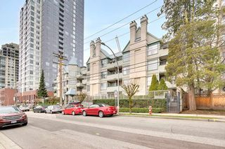 """Photo 2: 305 509 CARNARVON Street in New Westminster: Downtown NW Condo for sale in """"HILLSIDE PLACE"""" : MLS®# R2244471"""