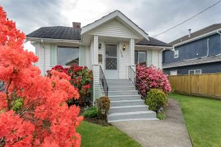 Photo 2: 7776 17TH Avenue in Burnaby: East Burnaby House for sale (Burnaby East)  : MLS®# R2267433