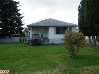 Photo 1: 17486 58A Avenue in Surrey: Cloverdale BC House for sale (Cloverdale)  : MLS®# F1023964